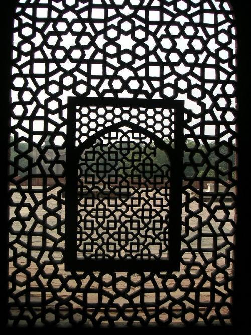 Lattice_at_humayuns_tomb_22_oct_2003_2