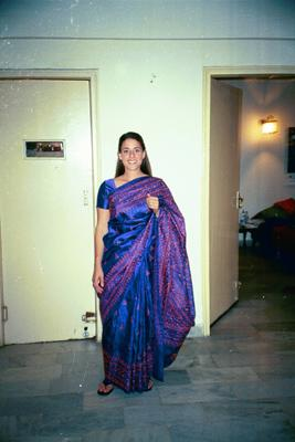 e_in_saree2_8_mar.jpg