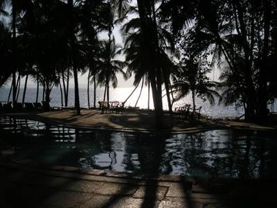 hotel_pool_and_view_11_feb_04.jpg