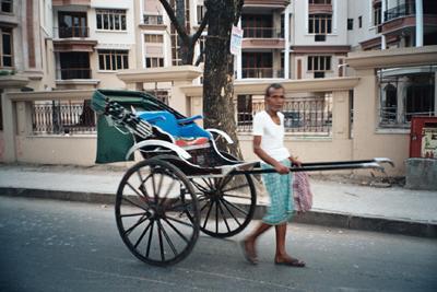 human_rickshaw_17_mar.jpg