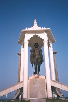 gandhi_statue_21_apr