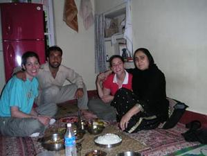 having_lunch_with_the_kashmiris2_4_may