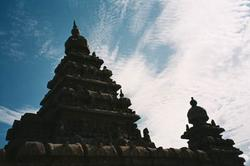 silhouette_of_shore_temple_with_sky_25_apr