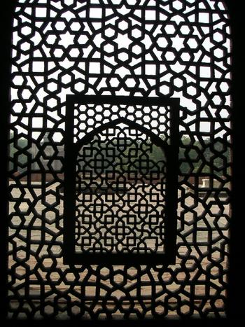 lattice_at_humayuns_tomb_22_oct_2003.JPG