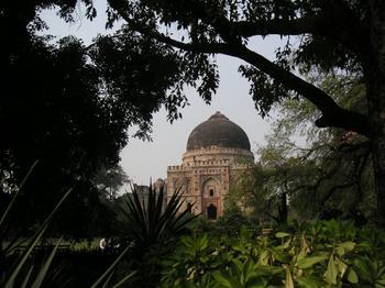 lodhi_garden_mohammed_shahs_tomb2_22_oct_2003.JPG