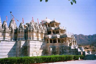 ranekpur_temple_from_afar.jpg
