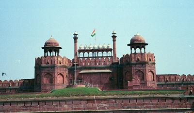 red_fort_with_flag_11_mar.jpg