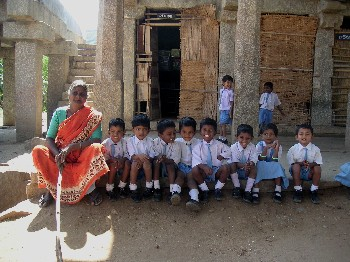 school_children_with_woman_28_nov.JPG