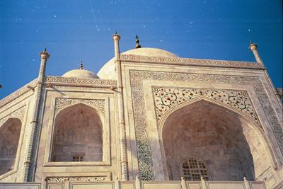 taj_from_the_side_and_from_below3_10_mar.jpg
